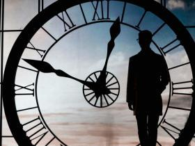 刘连康:当你意识到时间比金钱重要时,你才能赚钱!