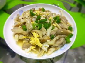 刘连康:蘑菇炒蛋简直就是人间美味,你会做了么