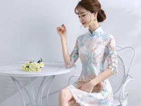 文艺淑女最爱穿的旗袍礼服